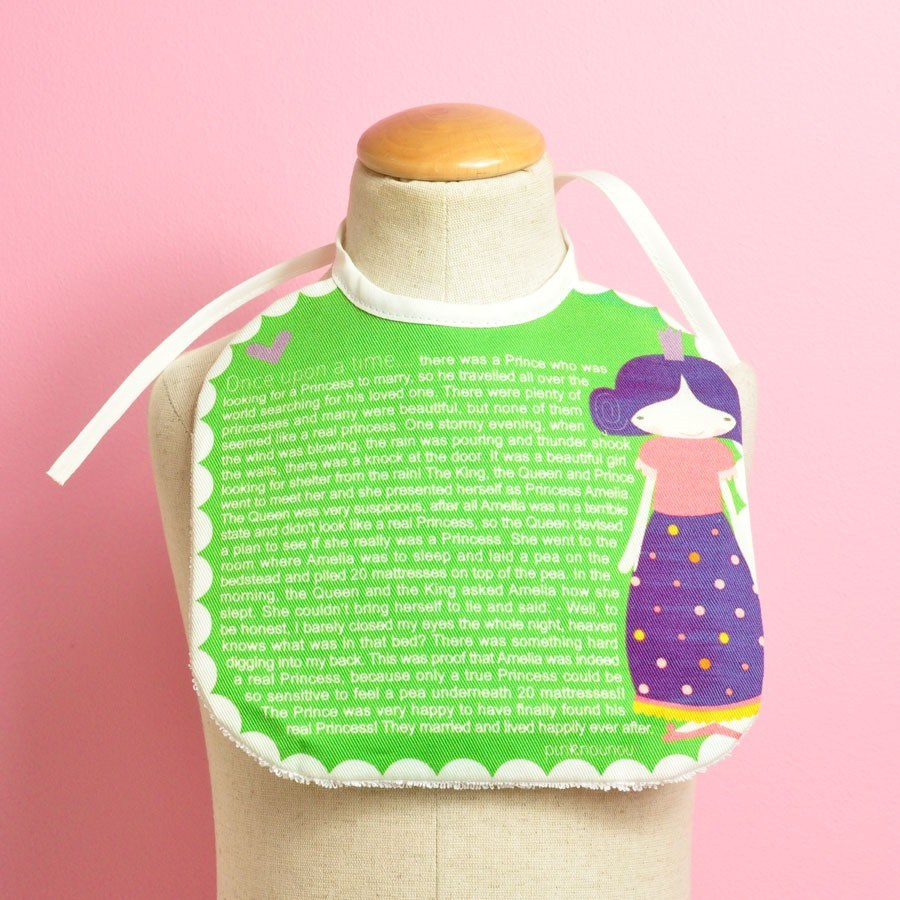 baby bib Once Upon a Time... Princess and the Pea tale
