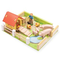 Hog and Hen Pen Set