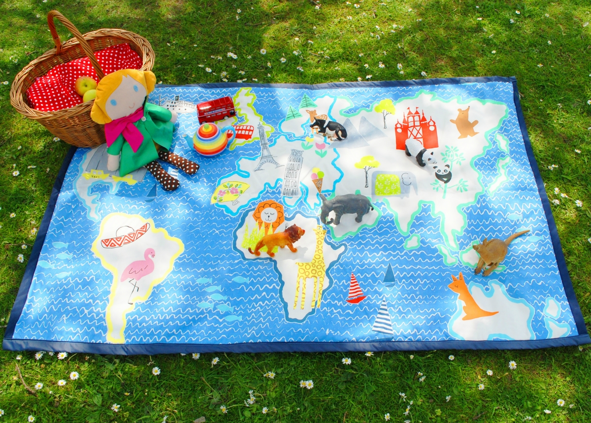 World map play mat picnic blanket loubilou world map play mat picnic blanket gumiabroncs Images