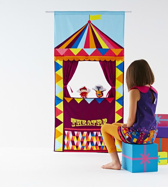 Personalised puppet theatre