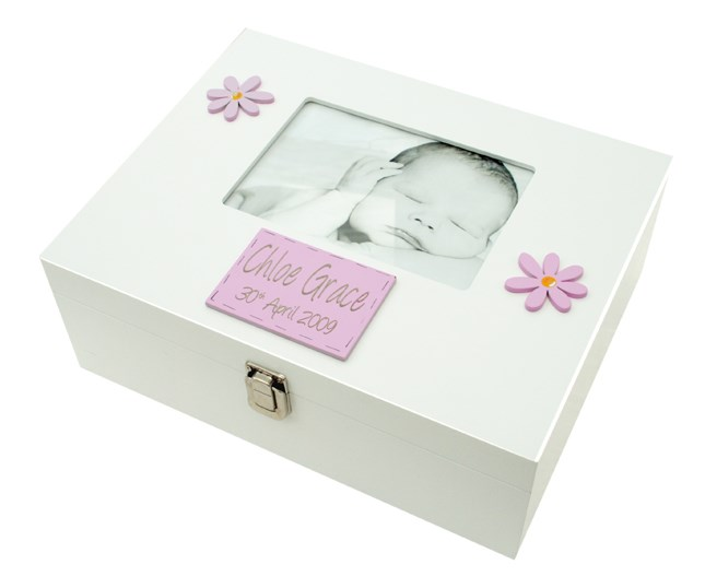 LARGE MEMORY BOX GIRL WITH 7X5 PHOTO FRAME BF02