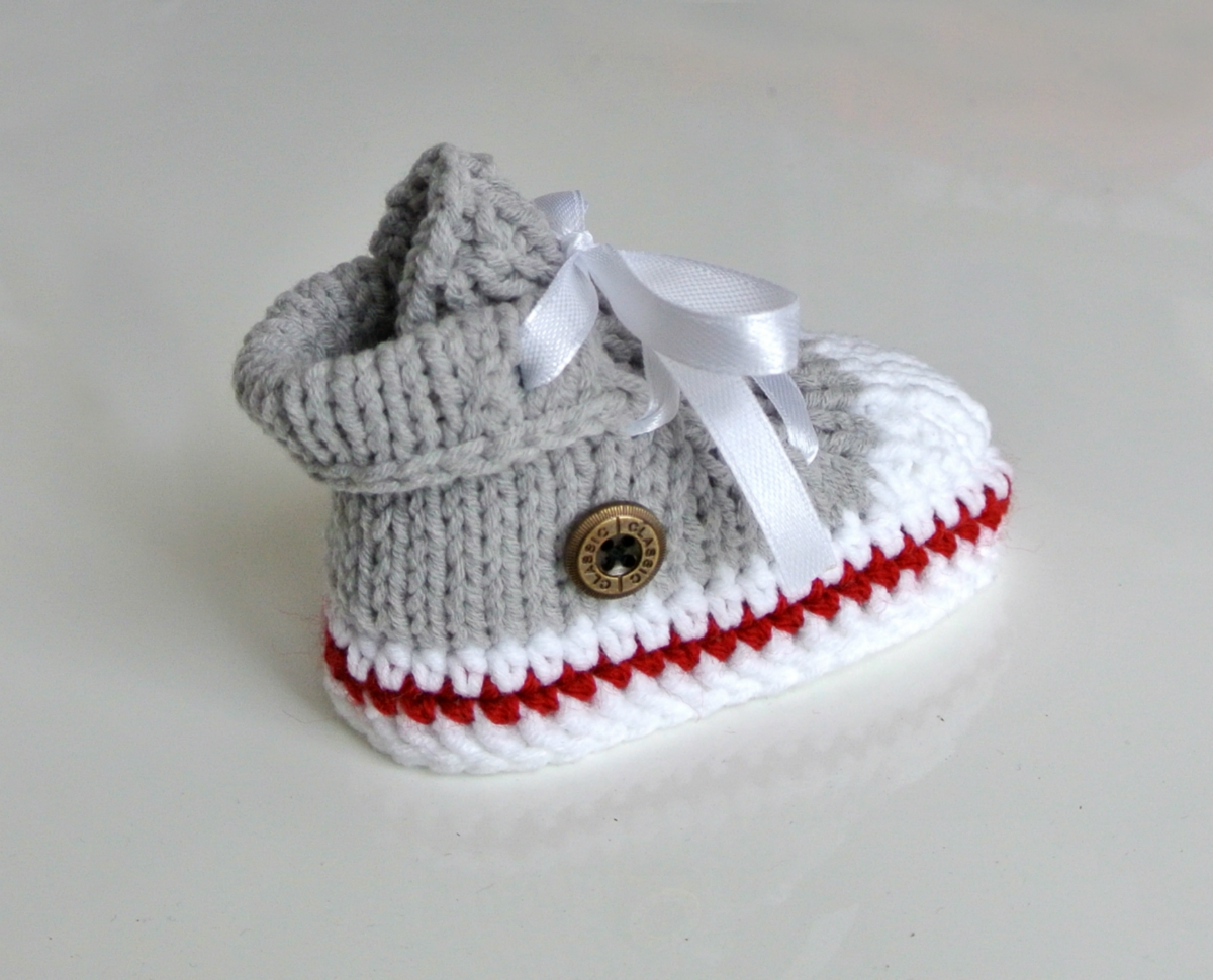 Knitting Patterns For Baby Trainers : Knitted Baby Trainers - Loubilou