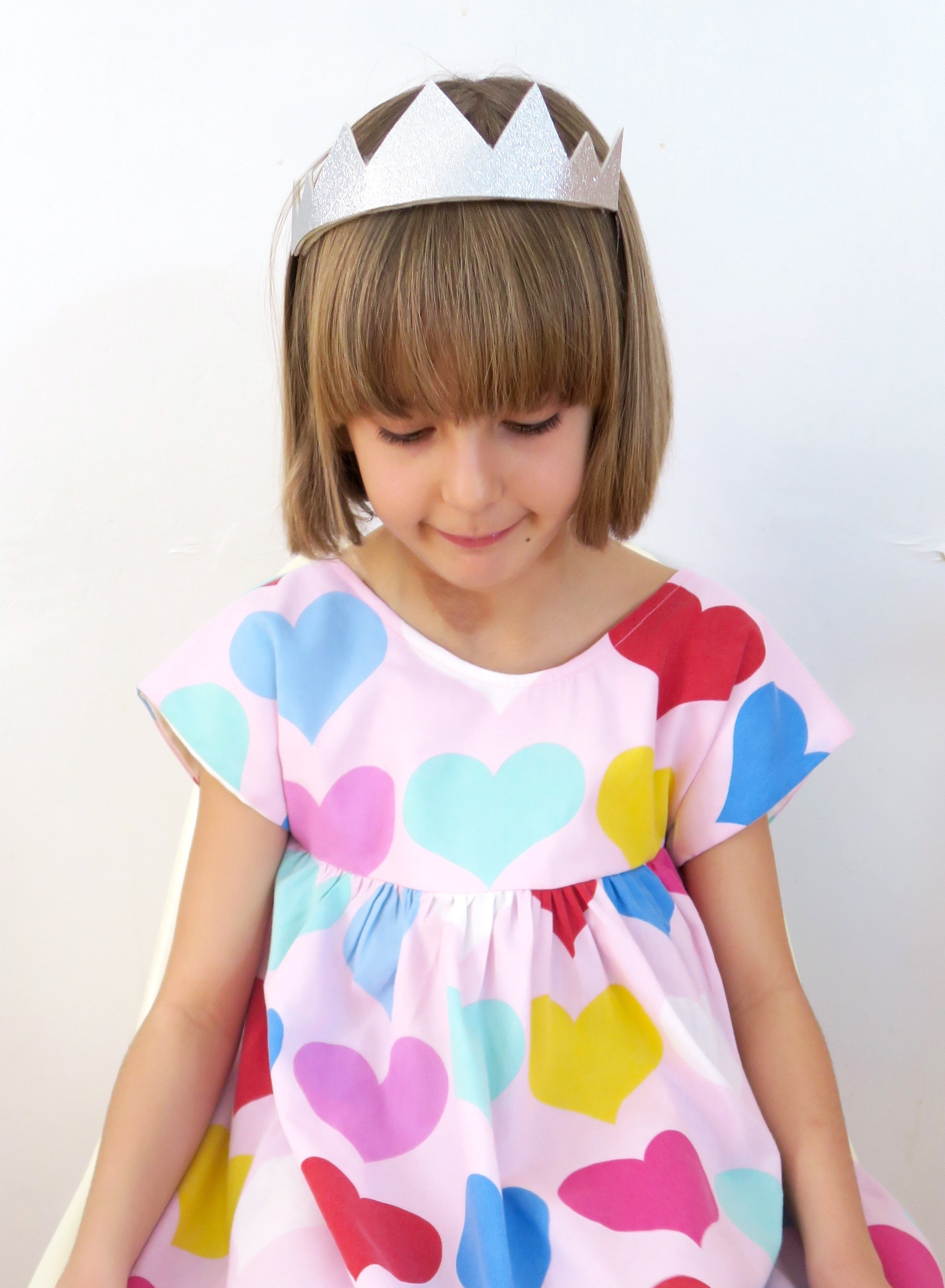 Queen of Hearts Dress Age 8-9