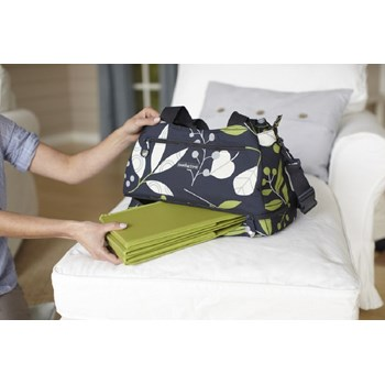 sootheTIME Good To Go Tote Changing Bag and Portable Cot (Leaves)
